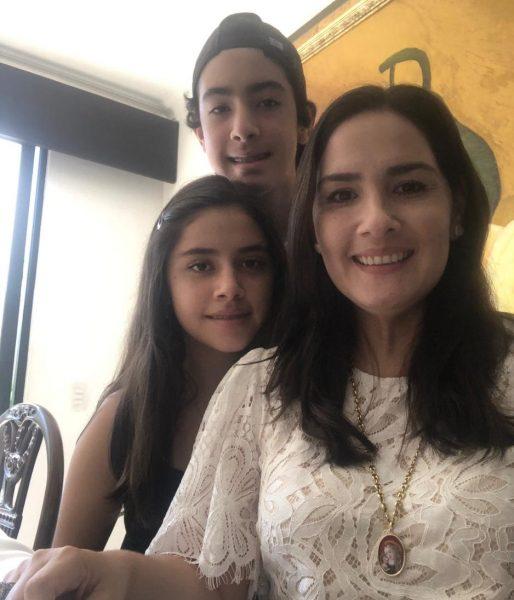 Maria Teresa Tama e Hijos Ecuador