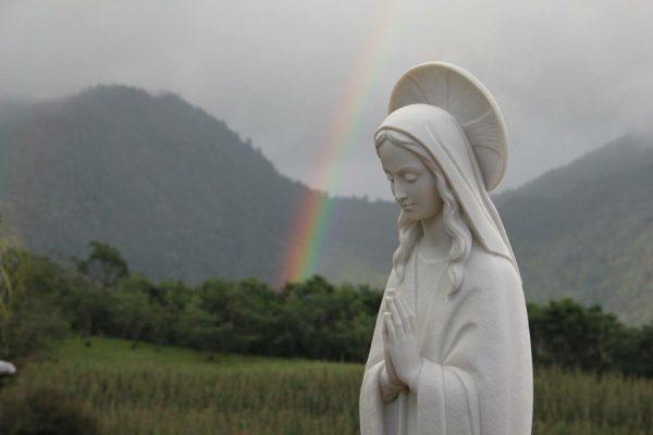 Avemaría Padre Juan Carlos Ecuador